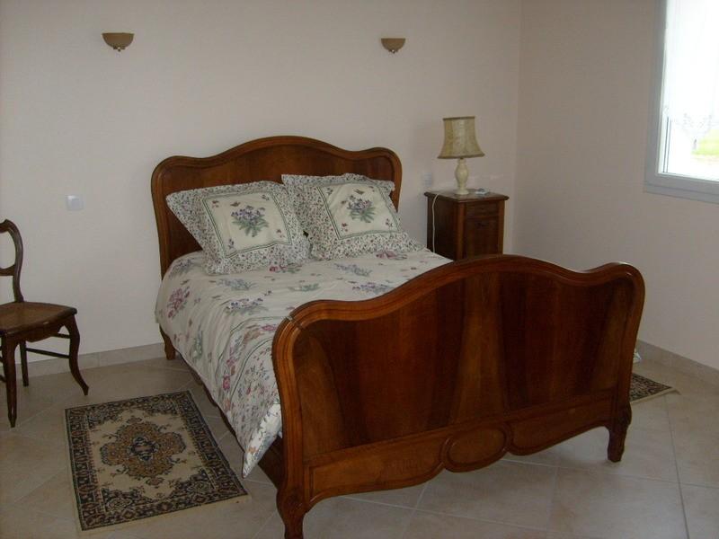 chambre du rez de chauss e. Black Bedroom Furniture Sets. Home Design Ideas